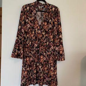 Madison Leigh floral dress w/choker collar